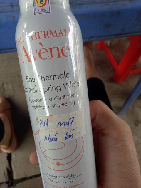 Hỏi về xịt khoáng Avene?